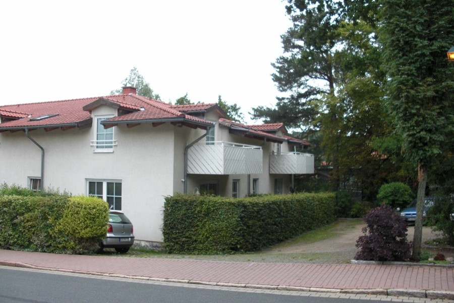 Exklusive 2 Zimmerwohnung mit Balkon im 1.OG/DG