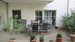 exklusive 2 Zi., Küche, Bad und gr. Terrasse